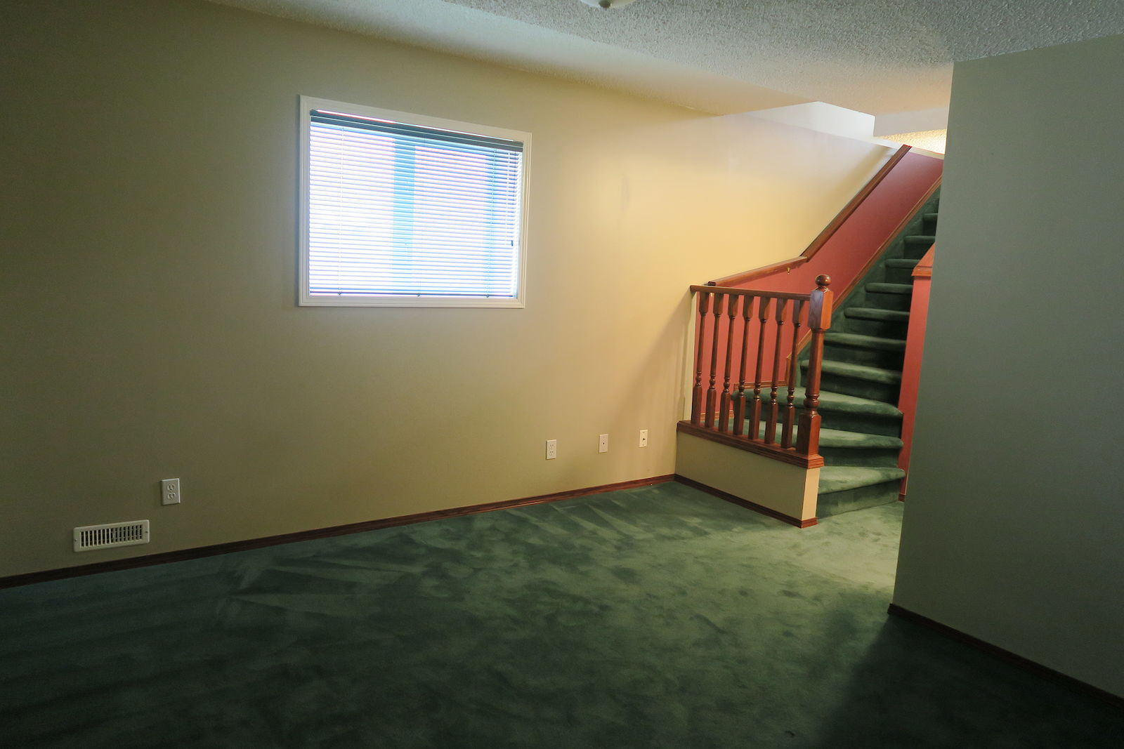 Calgary Townhouse For Rent Hamptons Full Developed Beautiful 3 Basement Wiring Rumplus Room