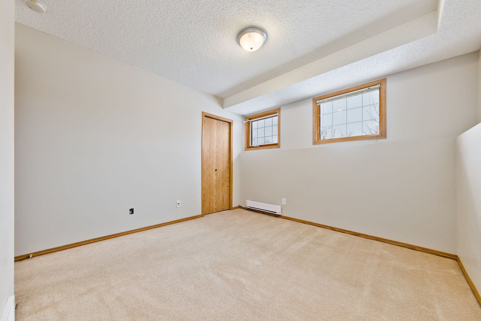Calgary Pet Friendly Basement For Rent Evergreen 50 Off Dec Wiring Bedroom
