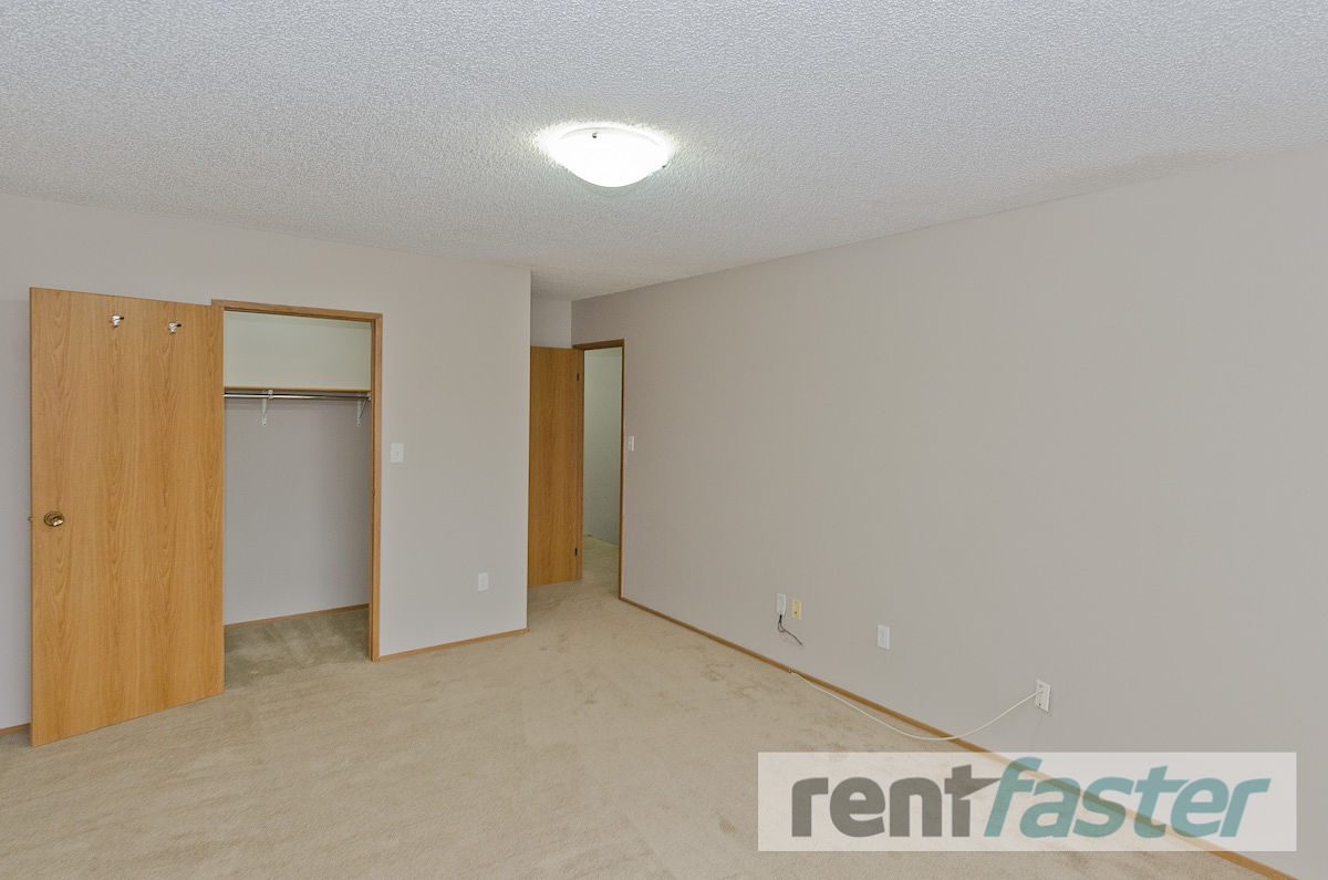 Calgary Apartment For Rent Bankview Spacious 2 Bedroom Apartments Id 291440