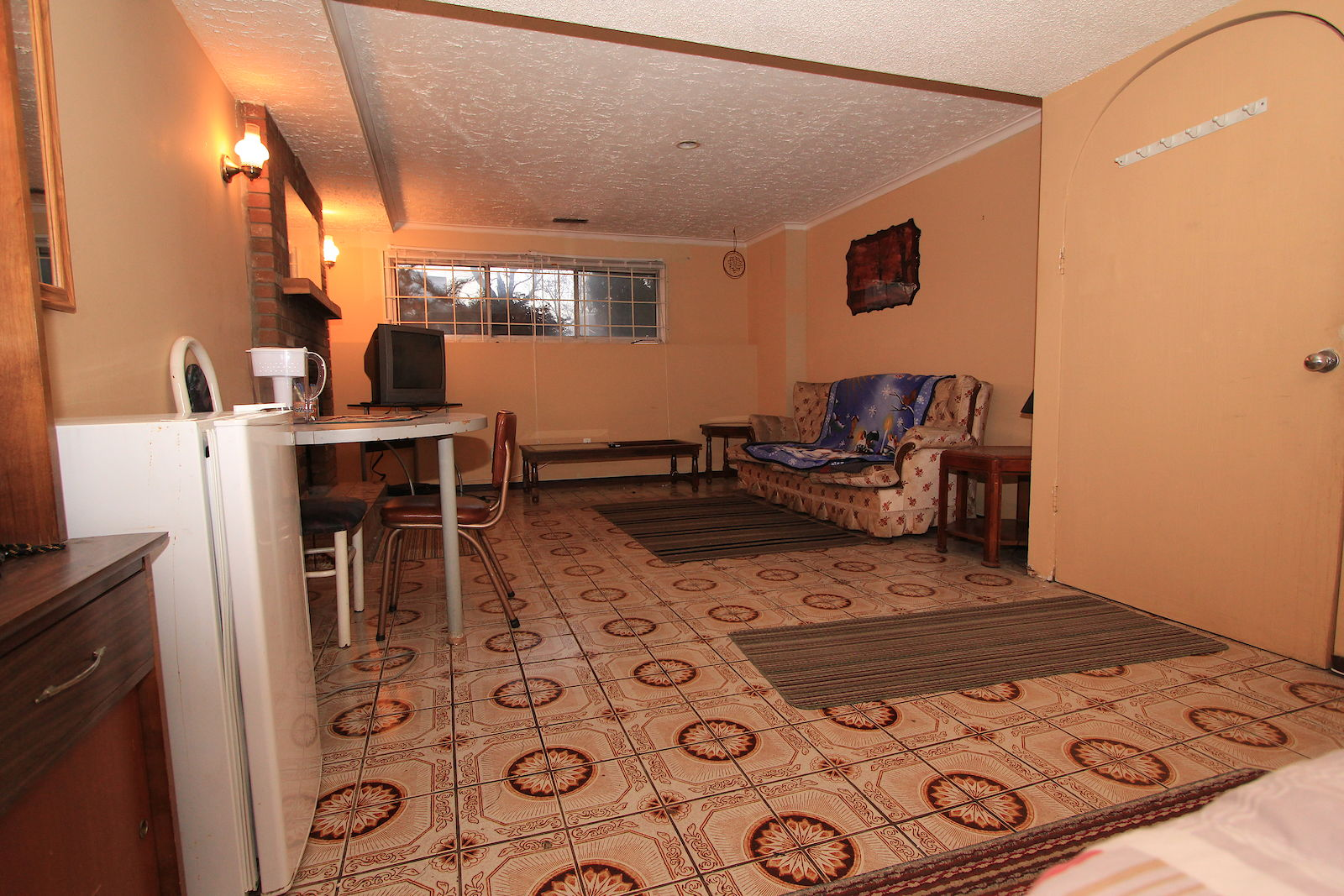 calgary shared for rent rundle ne furnished room in basement for