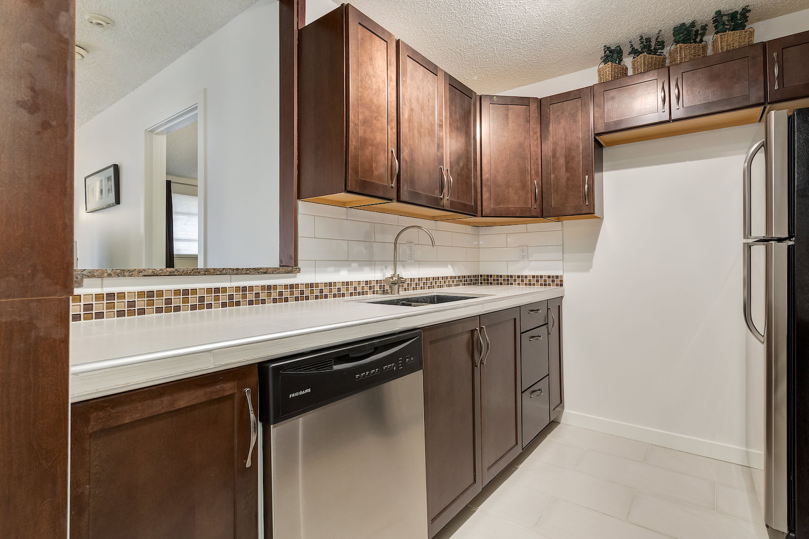 Uncategorized Kitchen Appliances Calgary calgary condo for rent sunalta inner city sw furnished 2bdr 4 piece stainless steel kitchen appliances