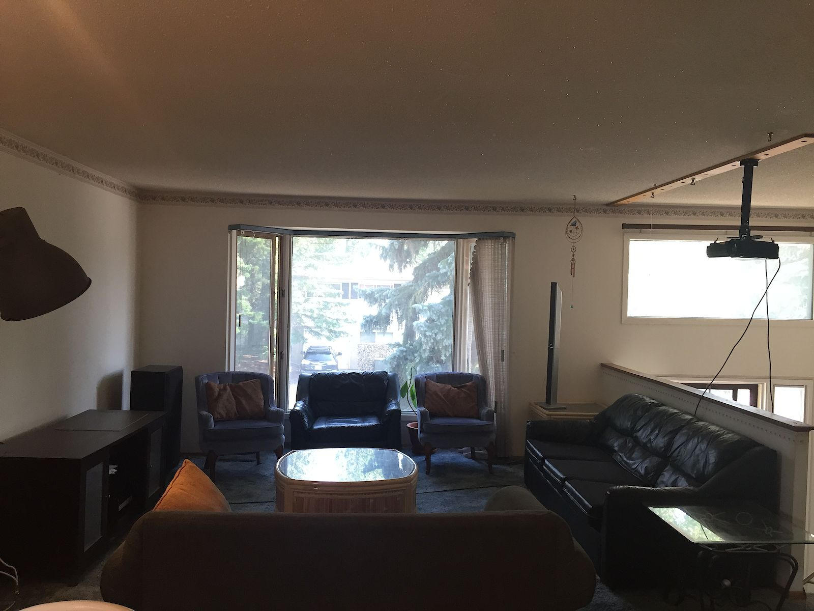 Calgary shared for rent university heights inner city for Living room with lots of seating