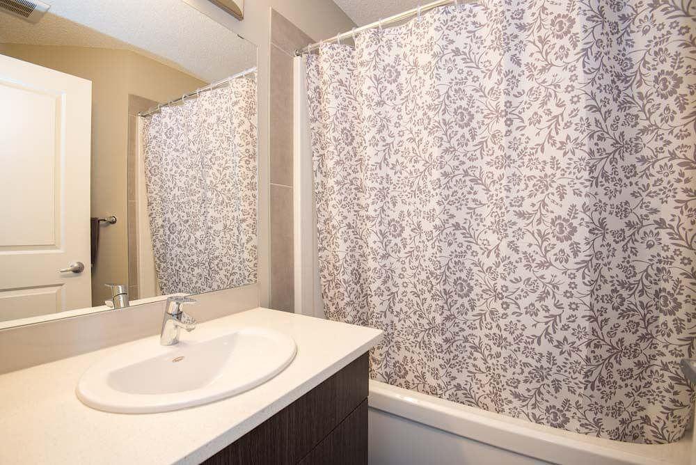 Pleasing 3 Bedroom 2 Bath 1300 Sqft Dbl Garage End Unit Townhome In Sw Edmonton Best Image Libraries Weasiibadanjobscom