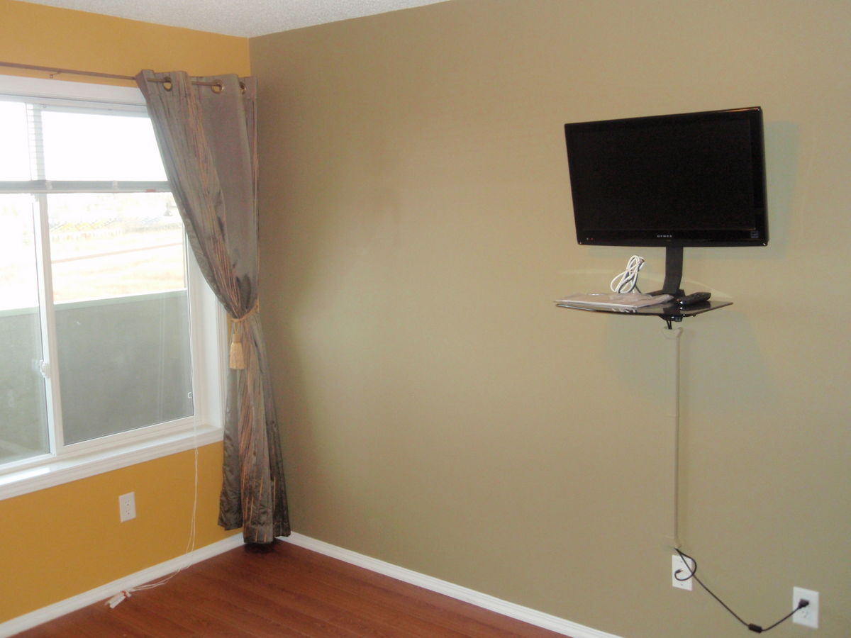 Airdrie Apartment For Rent 1100 Square Feet